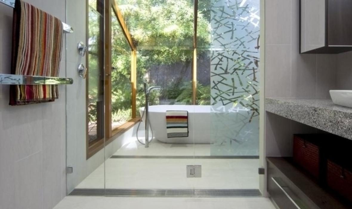 Pros and cons of wet rooms